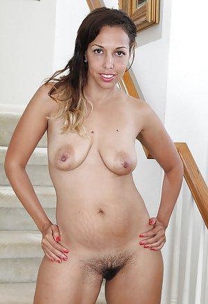 Saggy Big Tits Pics