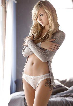 Nude Centerfold Pics