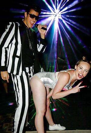 Sex in Club Pics